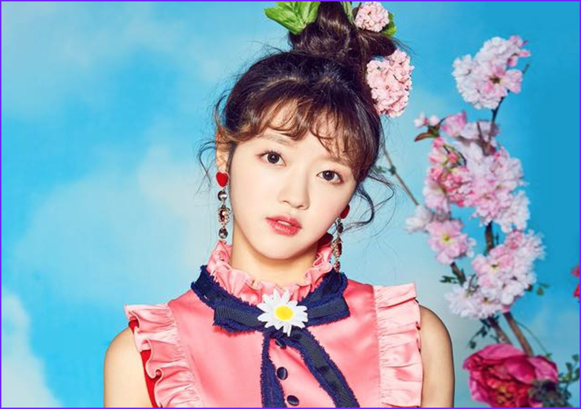oh my girl releases individual member teaser images for coloring book